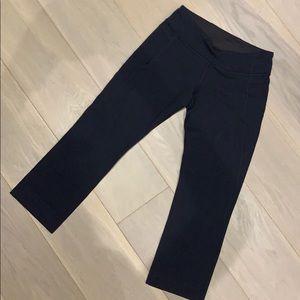 Lululemon black reversible crop pants